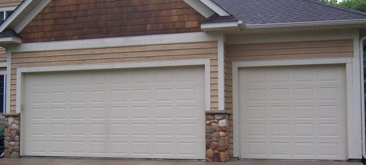 Thinking About a DIY Garage Door Repair Job? Read This First