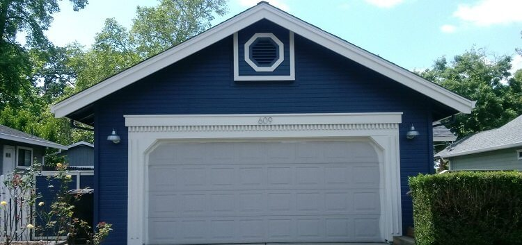 Can I Repaint a Garage Door in Colorado Springs?