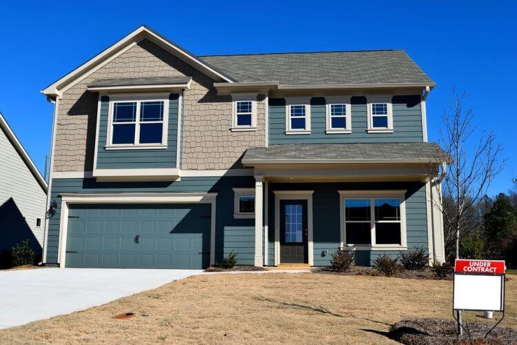Top 3 Reasons Colorado Springs Homeowners Shouldn't Attempt a DIY Garage Door Repair