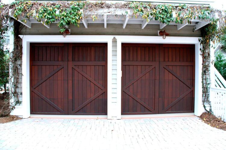 If You Need a New Garage Door, Consider These Things Before You Buy